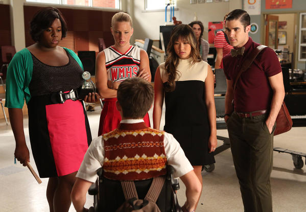 "Unique (Alex Newell), left, Brittany (Heather Morris), Tina (Jenna Ushkowitz), Blaine (Darren Criss) and Artie (Kevin McHale, bottom) in ""Glee."""