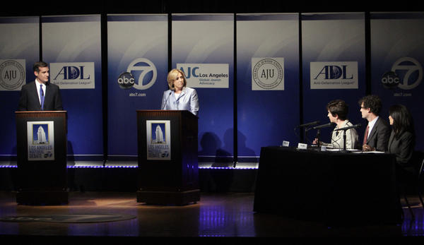 Mayoral candidates Wendy Greuel and Eric Garcetti in a debate at the American Jewish University.