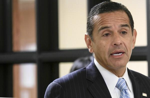 L.A. Mayor Antonio Villaraigosa said he made tough budget choices — securing employee concessions on retirement benefits and other measures — and steered the city away from a $1-billion budget shortfall.