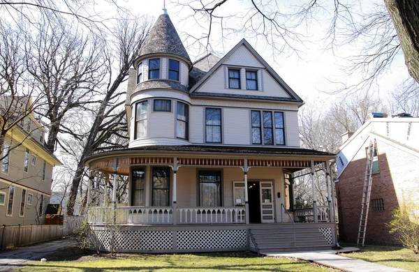 Volunteers are needed at the birthplace home of Ernest Hemingway in Oak Park.