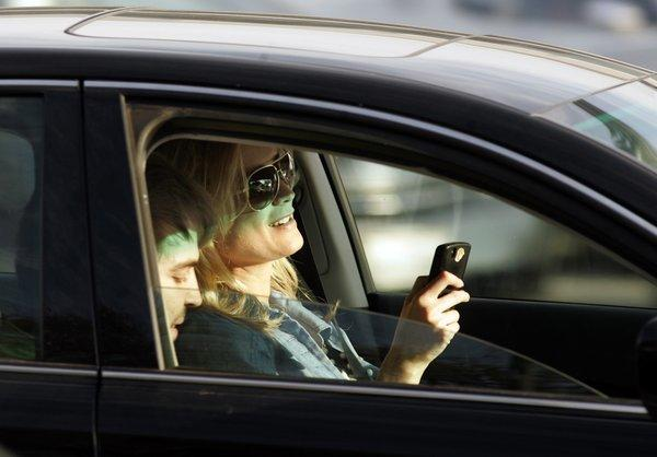 A new study says using voice recognition software to text while driving does nothing to reduce distracted driving.
