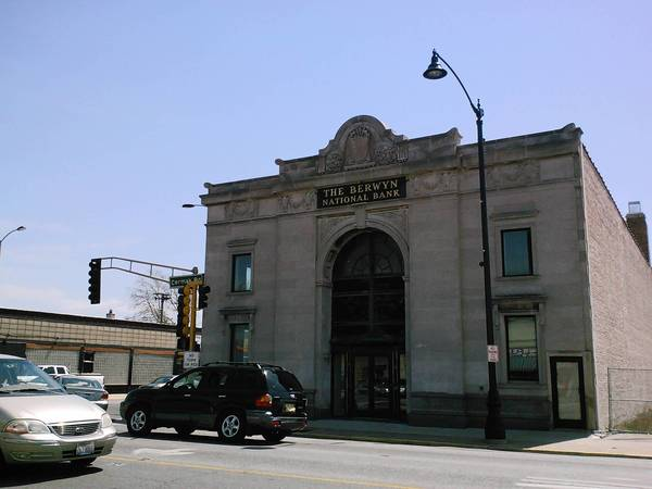 The old bank at 6801 West Cermak Road is slated to become a new brewery and restaurant.