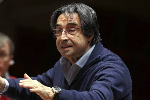 Riccardo Muti, Chicago Symphony Orchestra conductor, rehearses the symphony in Schumann's Symphony #3 on Tuesday, April 23, 2013.