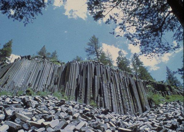Air samples were taken at Devils Postpile National Monument, near the crest of the Sierra Nevada, southeast of Yosemite National Park.