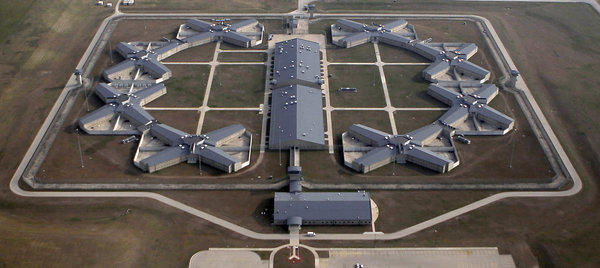 An aerial view of Thomson Correctional Facility in November 2009.
