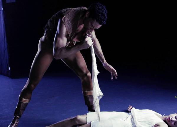 "The Joffrey Ballet's ""Othello"" will be at Auditorium Theatre through May 5."