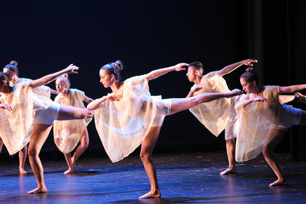 Dancers will perform en pointe for the first time in four years during Laguna Beach High School's spring dance concert this weekend.
