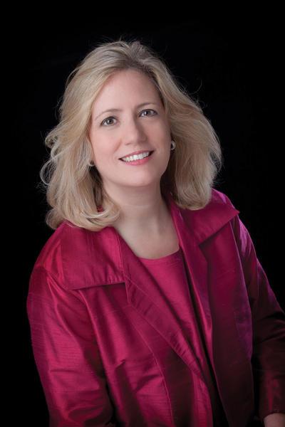 Elizabeth Schulze won the first Sorel Medallion in Conducting from The Elizabeth & Michel Sorel Charitable Organization Inc.