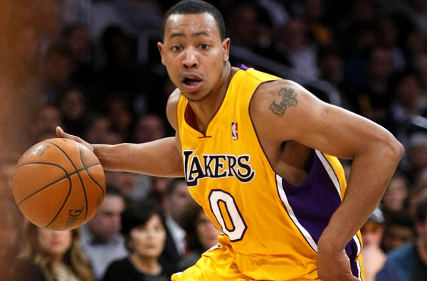 Guard Andrew Goudelock was re-signed by the Lakers on April 14 after Kobe Bryant was injured.