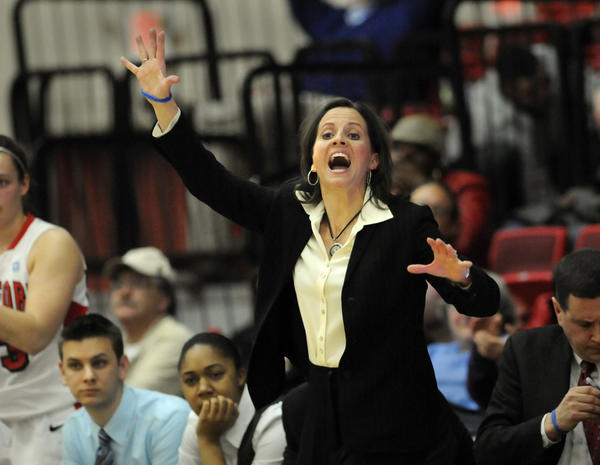 Jen Rizzotti will stick with UHart for a few more years.