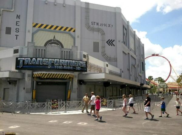 """""""Transformers The Ride 3-D"""" a punto de abrir sus puertas en Universal Orlando."""