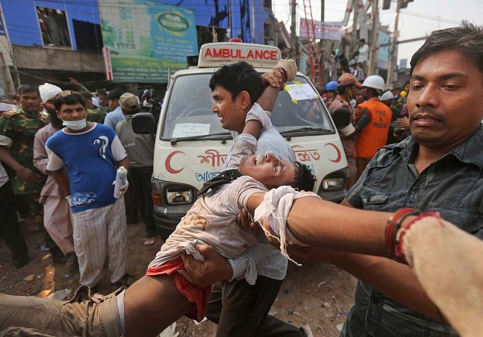 Bangladesh building collapse death toll tops 1,000 - Bangladesh building collapse