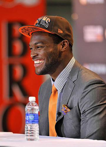 Cleveland Browns first round draft pick defensive end Barkevious Mingo greets the press.
