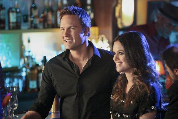 """Scott Porter as George and Rachel Bilson as Dr. Zoe Hart in """"Hart of Dixie,"""" which has been picked up for its third season by the CW."""