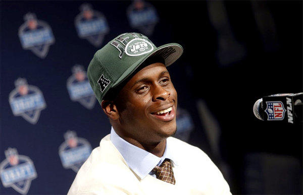 The Jets drafted quarterback Geno Smith, moving former Trojans quarterback Mark Sanchez closer to the door.