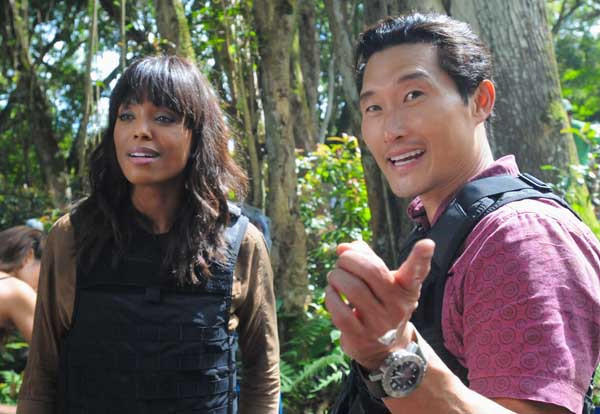 "A talk show host (Aisha Tyler) rides along with the ""Hawaii Five-0"" team, at 10 p.m. on CBS. With Daniel Dae Kim"