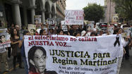 MEXICO CITY -- Mexican journalists on Sunday marched in this capital and several other states to protest violence that has claimed the lives of co-workers and silenced news media in parts of the country.