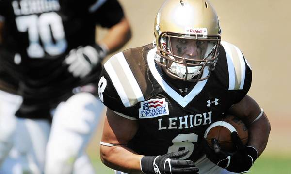 Lehigh's Ryan Spadola has agreed to a free-agent contract wih the Jets.