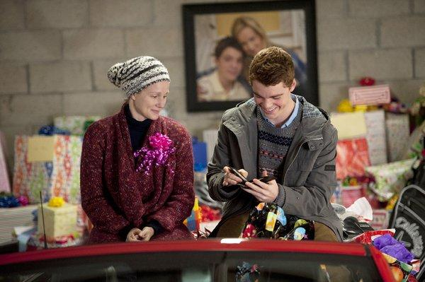 "Laura Linney and Gabriel Basso amaze in ""The Big C: Hereafter."""