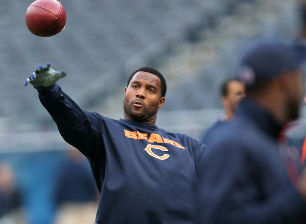 Chicago Bears outside linebacker Lance Briggs warms up before the start of a game against the Seattle Seahawks at Soldier Field last December.