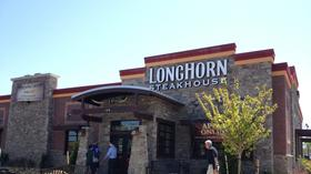 LongHorn Steakhouse opens up in Hampton