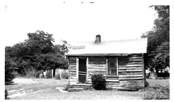 Photo of a Slabtown cabin on the Yorktown Battlefield where Shiloh Baptist Church was first located in 1863.
