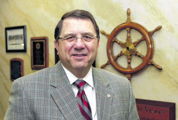 Bethel College President Steven R. Cramer is retiring in June after serving as the Mishawaka college president since 2004.