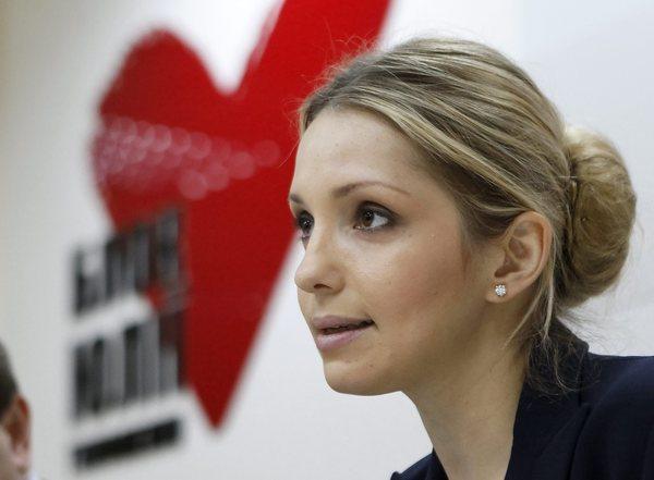 Eugenia Tymoshenko, daughter of jailed Ukrainian opposition leader and former Prime Minister Yulia Tymoshenko, speaks during a news conference in Kiev.