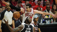 <strong>Kirk Hinrich</strong> ditched the walking boot he wore in New York to protect his severely bruised left calf. The pessimism surrounding his chances to play in Thursday's Game 6 remains.