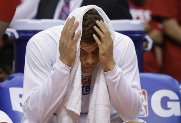 An injured Blake Griffin couldn't do much to help the Clippers against Memphis on Tuesday.