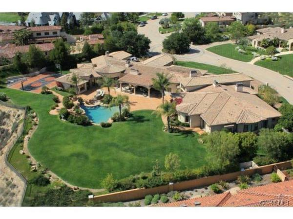 Mitch Richmond lists Calabasas spread for sale