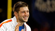 Free agent quarterback Tim Tebow wouldn't succeed in the Canadian Football League because of a weak throwing arm, Hall of Famer Warren Moon told radio station KILT-AM in Houston.