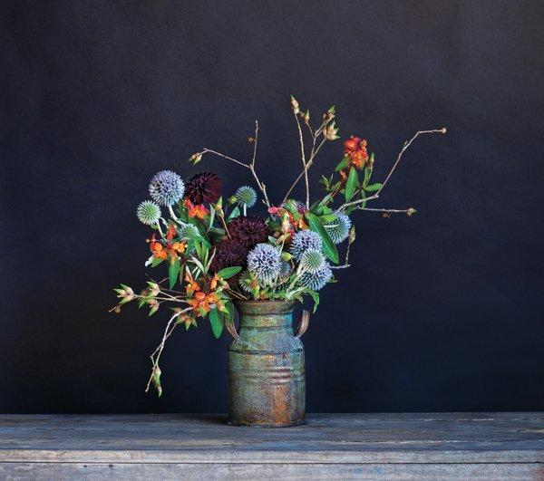 The new book from the floral design firm Studio Choo presents 100 recipes for arrangements you can make at home.