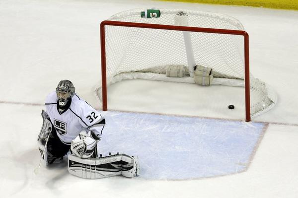 See that puck in the net behind Jonathan Quick? That gave the Blues a 2-1 lead in Game 2.