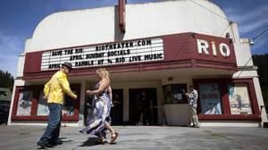 Small-town movie theaters threatened by shift to digital cinema