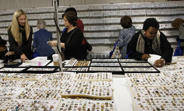 Hampton richmond bazaars battle over vendors for Craft shows in hampton roads