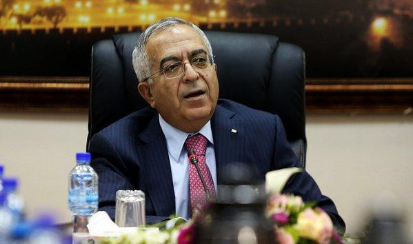 The Palestinian Authority's Acting Prime Minister Salam Fayyad came under fire for critical remarks he was said to have made to the New York Times. He denied making the remarks.