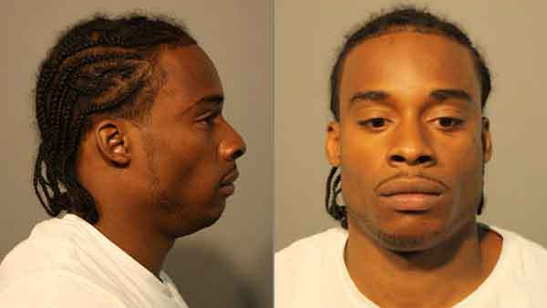 Booking photos of Darris Moore