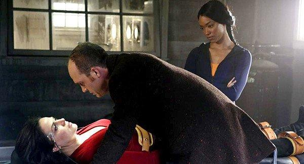 Greg (Ethan Embry) tries to get information from Regina (Lana Parrilla) about his father while Tamara (Sonequa Martin-Green) watches the questioning.