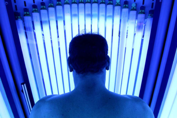 "tanning salons may pose higher risk of getting skin cancers But many in the us fail to take skin cancer seriously, neglecting sun protection or actively seeking bronzed skin on the beach or in tanning beds, health officials said ""tanned skin people with lighter skin are at higher risk for the disease, but anyone can get skin cancer, the new report emphasizes and it."