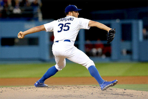 Dodgers' Chris Capuano throws a pitch against the Arizona Diamondbacks.
