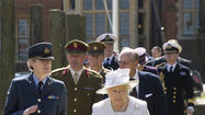 LONDON – Ending four decades of perfect attendance, Queen Elizabeth II will skip the biennial meeting of Commonwealth leaders later this year as part of a rethink by palace officials of long-distance travel and public events for the 87-year-old monarch.