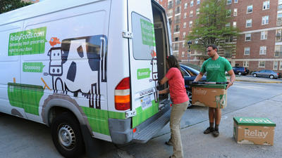 Online grocery ordering and home delivery move to organic market