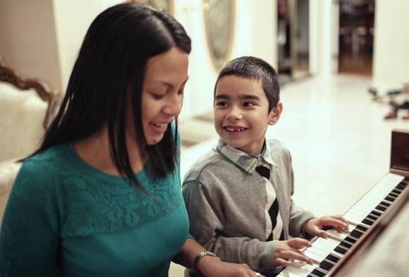 Teaching your child piano