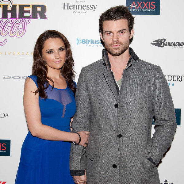 Rachael Leigh Cook and Daniel Gillies are expecting a baby together.