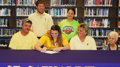 Lincoln's Belcher to play basketball for St. Catharine's