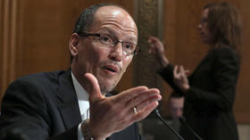 Perez vote delayed as confirmation fight intensifies