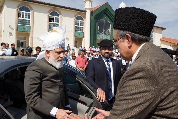 Ahmadiyya global leader in SoCal