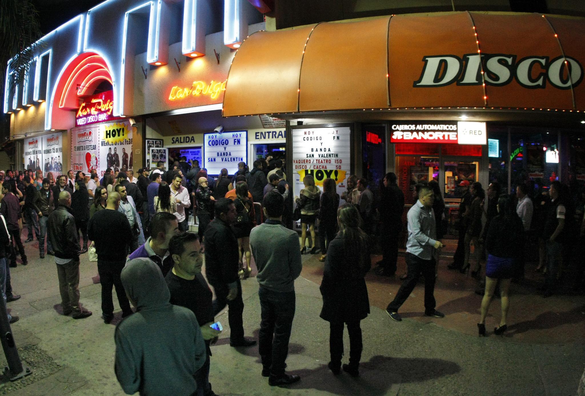 Tijuanas night life springs back into action - LA Times