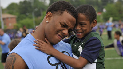 After fulfilling promise, Ray Rice continues to give back to co…